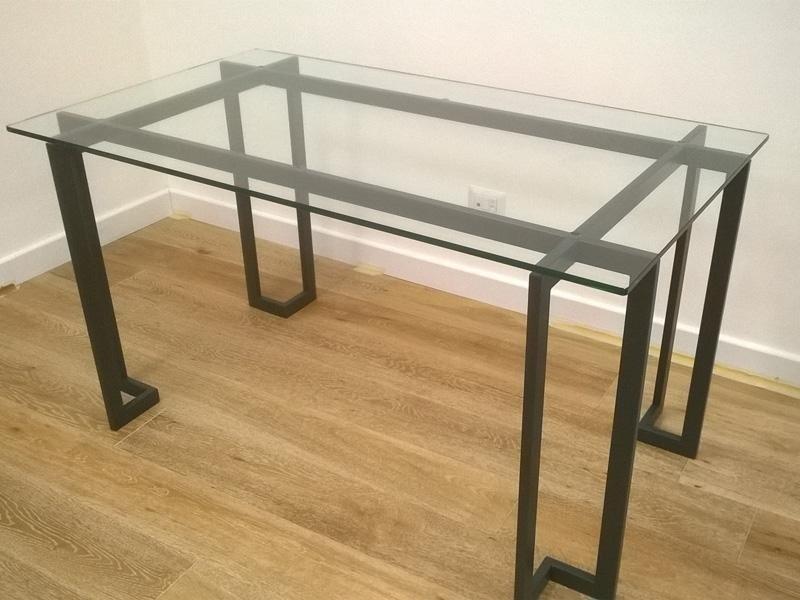 tavoli e scrivanie con cristalli